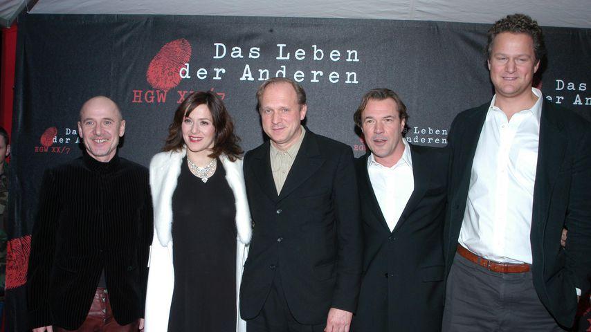 """Florian Henckel von Donnersmarck (re.) und der Cast von """"Das Leben der Anderen"""""""