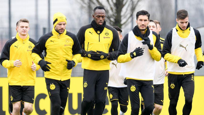 Endlich in Schwarz-Gelb: Hier kickt Usain Bolt mit dem BVB!