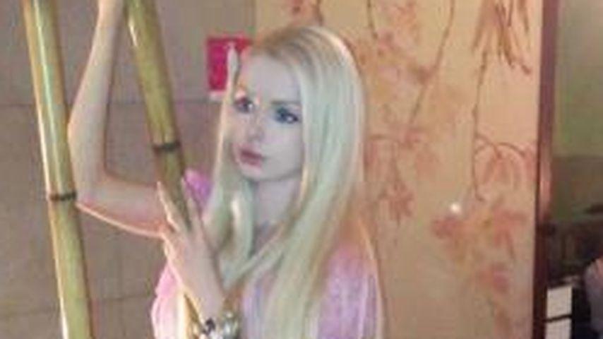 Puppen-Frau Valeria: So dürr wie ein Bambus-Stab!