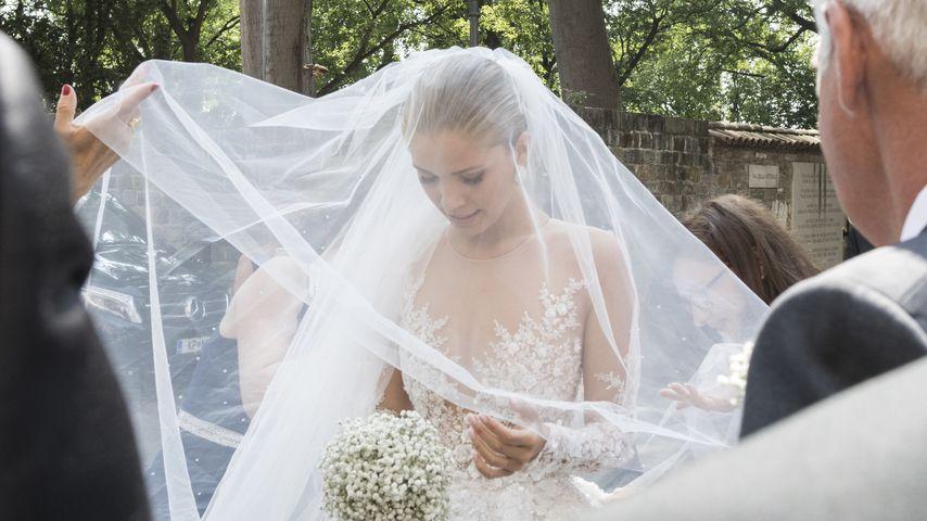 Wunderschöne Braut! 1. Pics von Victoria Swarovskis Kleid