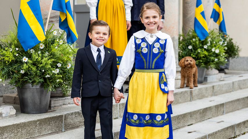 Neue Bilder: Prinzessin Estelle und Prinz Oscar Hand in Hand