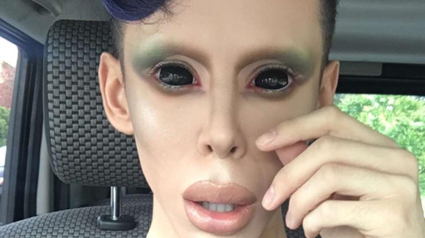 Heftig: Dieser Netz-Star wird zum geschlechtslosen Alien!