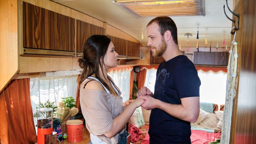 """Lehnt """"Unter uns""""-Vivien den Heiratsantrag von Tobias ab?"""