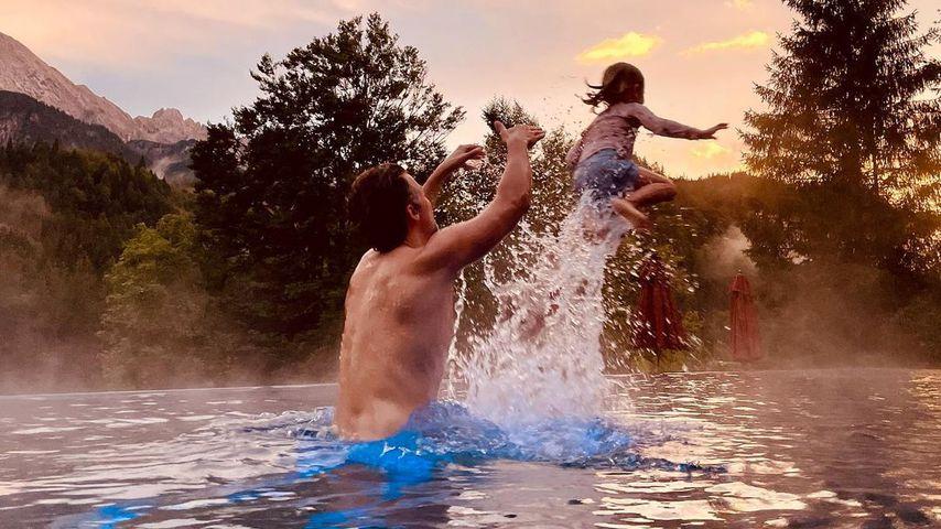 Wayne Carpendale mit seinem Sohn Mads im August 2021