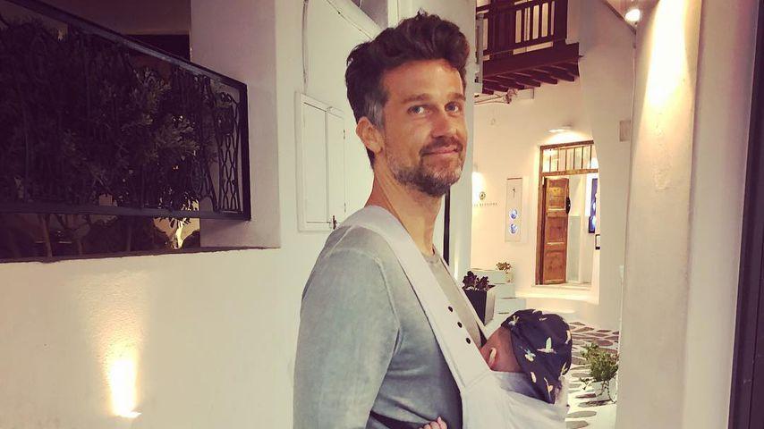 """Süßes Vater-Sohn-Foto: Wayne Carpendale mit Baby-""""Plauze"""""""
