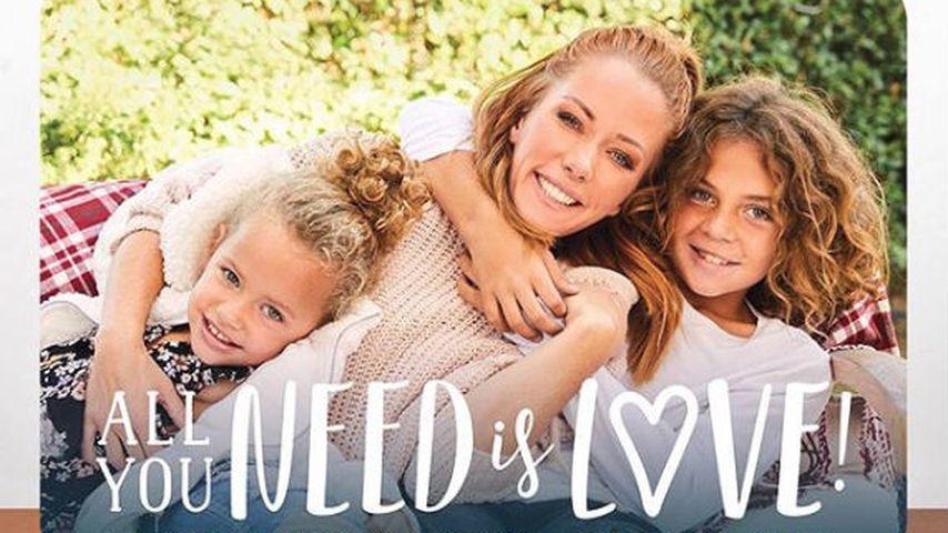 Weihnachtskarte von Kendra Wilkinson und ihren Kids Hank und Alijah
