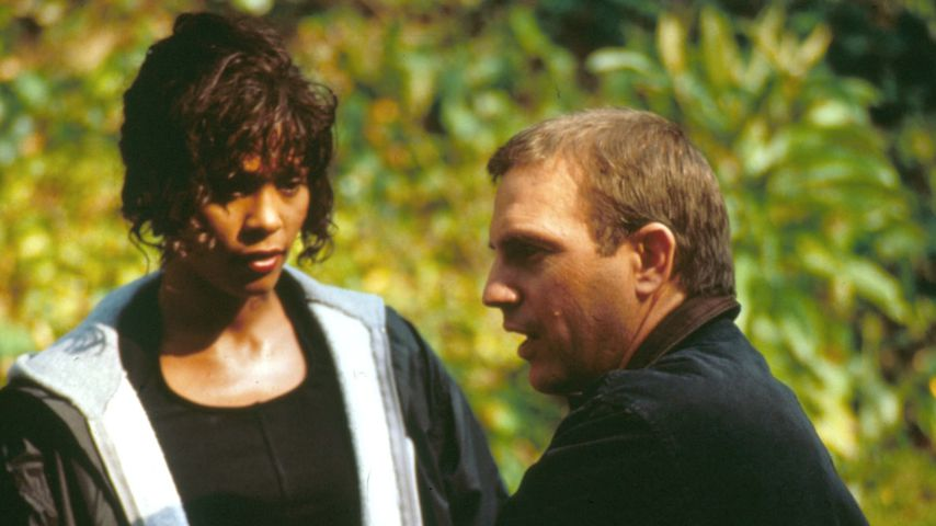 "Whitney Houston und Kevin Costner in ""The Bodyguard"" im November 1992"