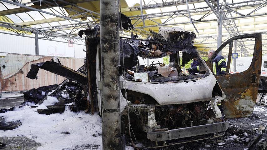 Willi Herrens Truck niedergebrannt: War ein Teelicht schuld?