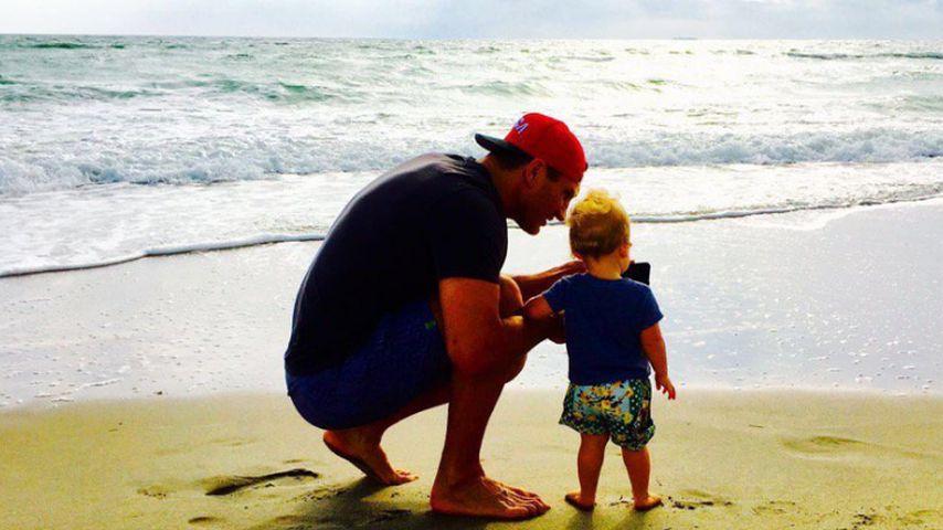 Wladimir Klitschko und Tochter Kaya am Strand