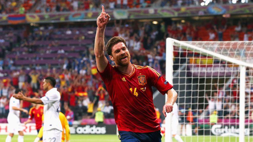 Xabi Alonso für Spanien in Donetsk