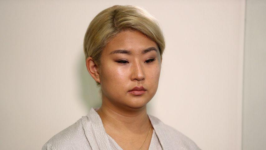 Youngjoo Hwang bei einer Pressekonferenz in Los Angeles