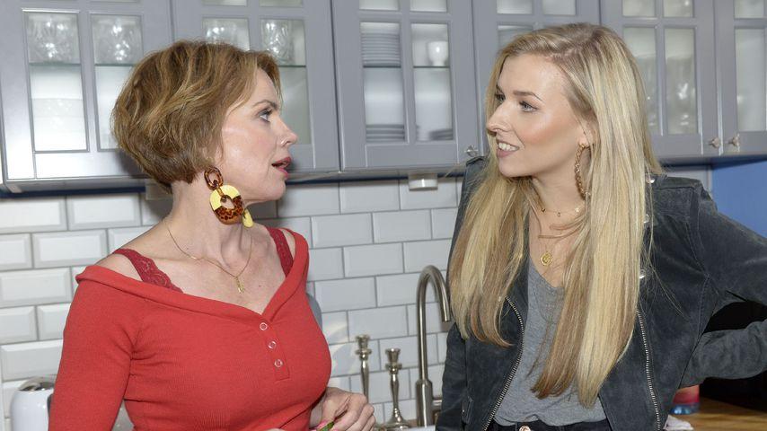Yvonne (Gisa Zach) und Brenda (Annabella Zetsch) bei GZSZ