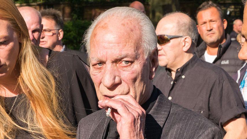 Zanubio Rocchigiani auf Graciano Rocchigianis Beerdigung