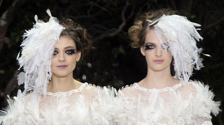 Chanel: Karl Lagerfeld feiert Lesbenhochzeit