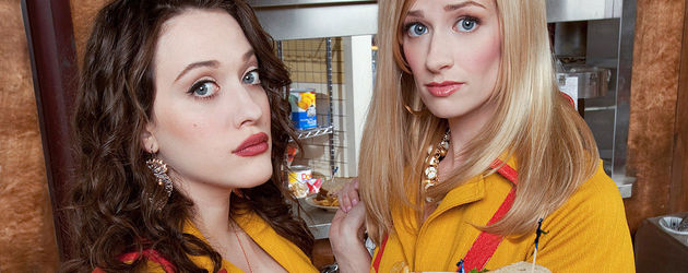 "Kat Dennings und Beth Behrs in ""2 Broke Girls"""