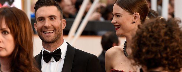 Adam Levine und Behati Prinsloo bei ihrer Ankunft zur Oscarverleihung 2015