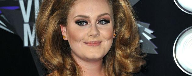 Adele im Sixtieslook