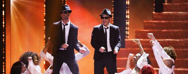 Alexander Kumptner und Mario Kotaska als Blues Brothers