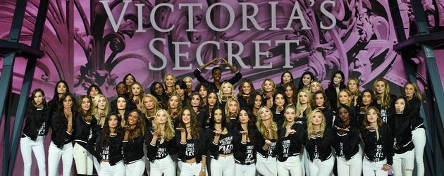 Die Victoria's Secret Engel 2016 bei einem Fototermin in Paris