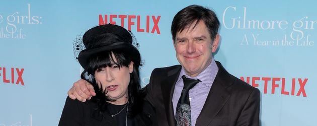 """Amy Sherman-Palladino und ihr Mann Daniel bei der """"Gilmore Girl: A Year In The Life""""-Premiere in LA"""