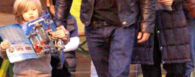 Brad Pitt und Angelina Jolie mit Shiloh