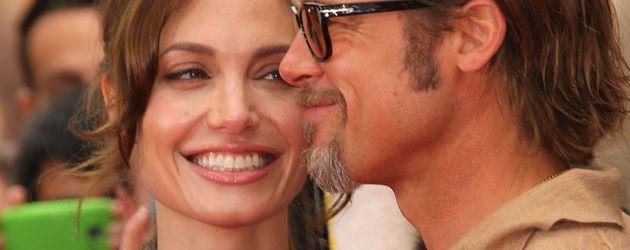 """Angelina Jolie und Brad Pitt auf der """"Kung Fu Panda 2""""-Premiere in Hollywood, 2011"""