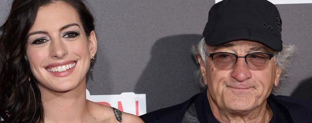Anne Hathaway und Robert De Niro