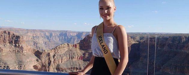 Arna Ýr Jónsdóttir vor dem Grand Canyon