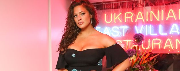 Ashley Graham  bei der Vogue x Coach Karaoke Party