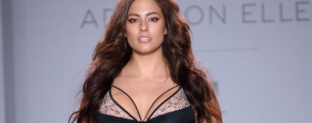 Ashley Graham auf der New York Fashion Week 2016