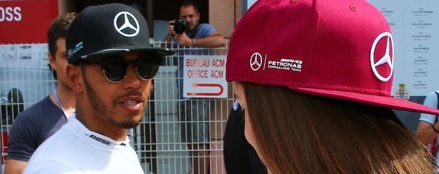 Barbara Palvin und Lewis Hamilton beim GP von Monaco 2016