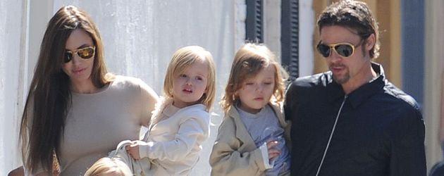 ... Knox Jolie-Pitt, Shiloh Jolie-Pitt, Brad Pitt und Vivienne Jolie-Pitt