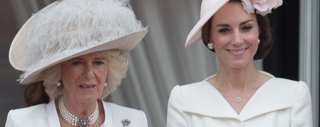 "Camilla Parker Bowles und Herzogin Kate bei ""Trooping The Colour"" 2016"