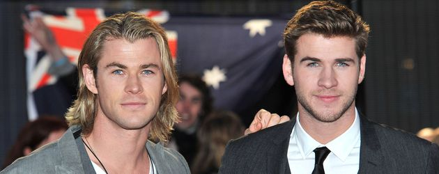"Chris Hemsworth und Liam Hemsworth bei ""THe Hunger Games""-Premiere in London"