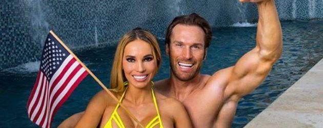 Maria und Bastian Yotta in ihrem heimischen Pool in Hollywood