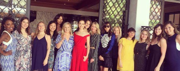 Emmy Rossum mit ihren Freundinnen beim Junggesellinnenabschied