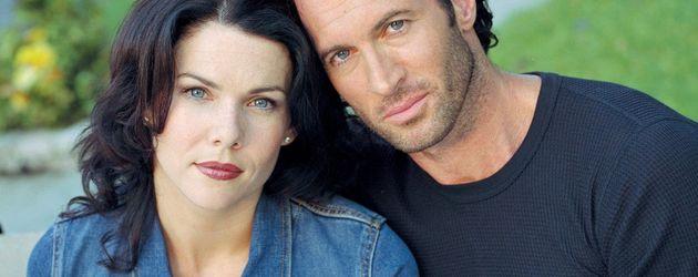 """Lauren Graham und Scott Patterson in einer frühen """"Gilmore Girls""""-Staffel"""