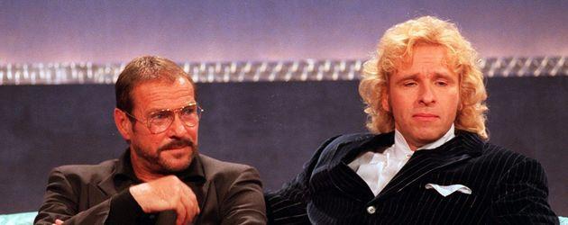 """Götz George und Thomas Gottschalk bei """"Wetten, dass...?"""" 1998"""