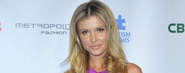 "Joanna Krupa auf der ""Autism Speaks 'La Vie En Blue'""-Gala in Burbank"