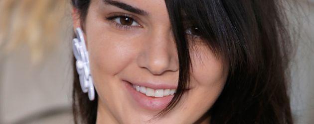 Kendall Jenner bei der NYFW auf dem Catwalk für Michael Kors