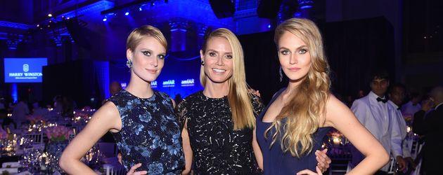 Kim Hnizdo mit Heidi Klum und Elena Carrière bei der amfAR-Gala in New York 2016