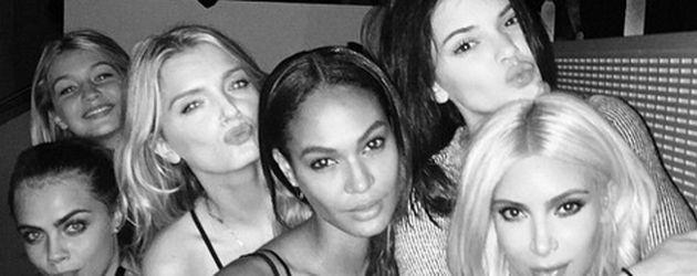 Kim Kardashian, Kendall Jenner und Cara Delevingne