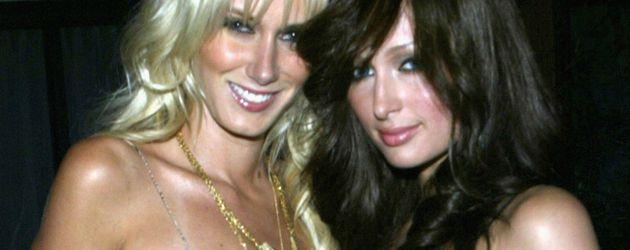 Kimberly Stewart und Paris Hilton 2005 in Hollywood