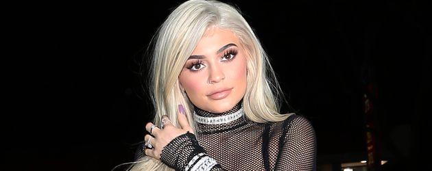 Kylie Jenner erreicht die Party ihrer Schwester Kendall im November 2016 in Los Angeles