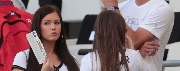 Lena Stiffel, Freundin von Julian Draxler, beim EM-Halbfinale in Marseille