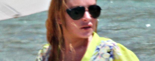Lindsay Lohan am Strand von Sardinien