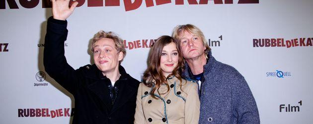 Matthias Schweighöfer winkend, Alexandra Maria Lara und Denis Moschitto