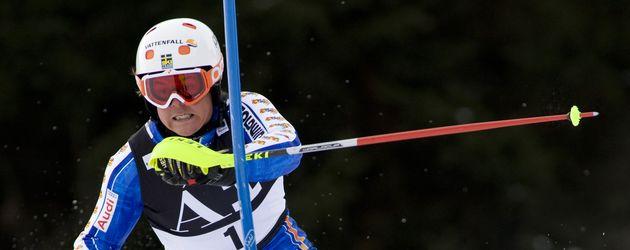 Skiprofi Mattias Hargin beim Weltcup-Slalom in Kitzbühel 2010