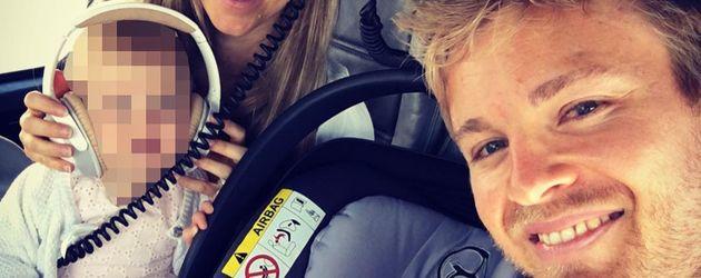 Nico Rosberg mit Tochter und Ehefrau Vivian im Helikopter