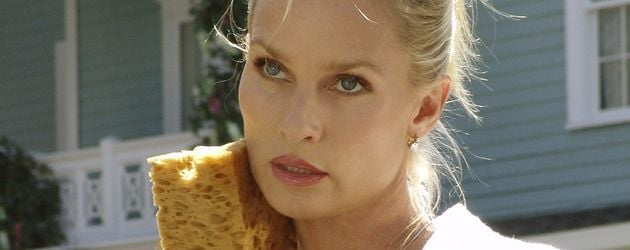 "Nicollette Sheridan in ""Desperate Housewives"""